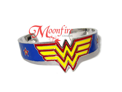 WONDER LADY W Logo Cuff Bangle