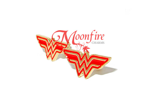 WONDER LADY Red W Logo Earstuds Earrings
