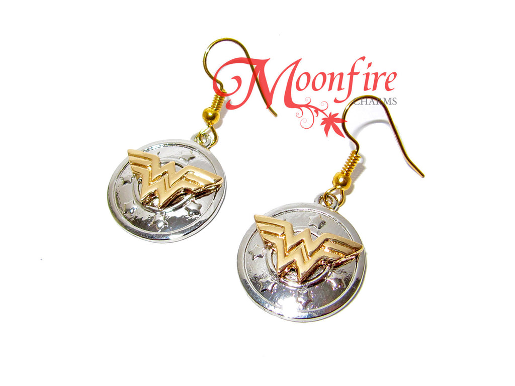 WONDER LADY W Logo Shield Earrings