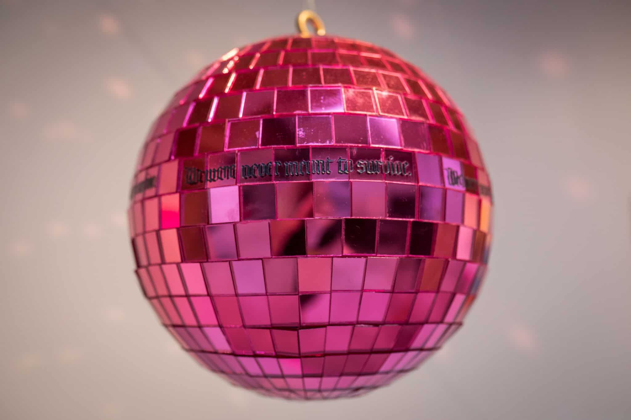 Disco ball by Eythink