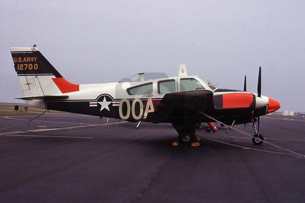 12700(00A) Beech T-42A, US Army, Langley 1971