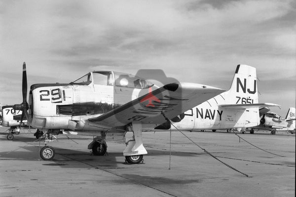 137651(NJ291) North American T-28B, USN,  New Orleans 1966
