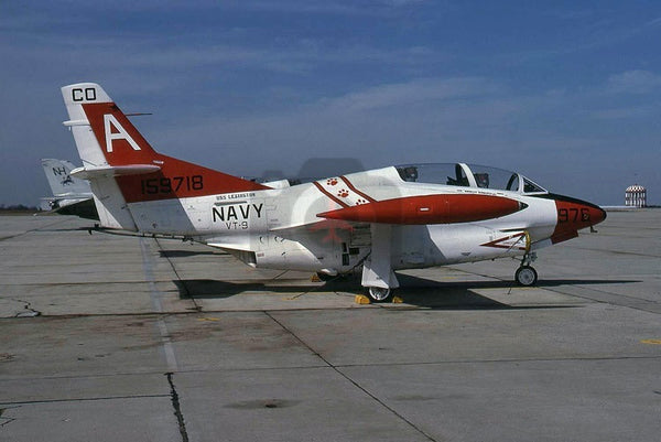 159718(A976) North American T-2C, USN(VT-9), 1985,  paw prints