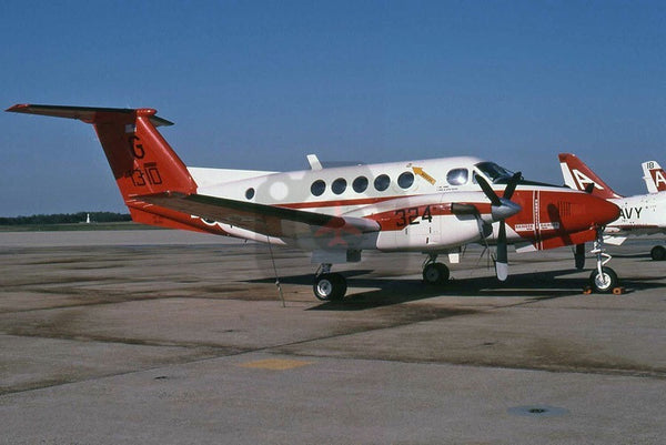 161310(G324) Beech UC-12B, USN(VT-35), Washington 2002