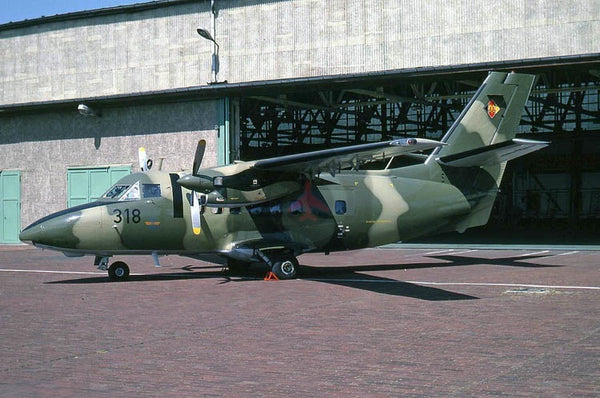 318 Let-410UVP, East German AF, 1990