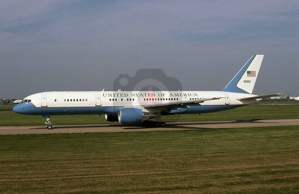 90003 Boeing C-32A, USAF, Heathrow 1999