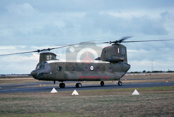 A15-007 Boeing CH-47C Chinook, RAAF(12Sqn), Laverton 1977