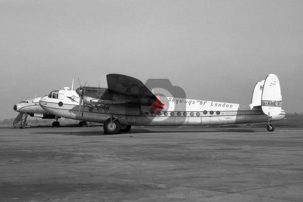 G-AHEY Avro 685 York, Skyways of London, Luton 1963