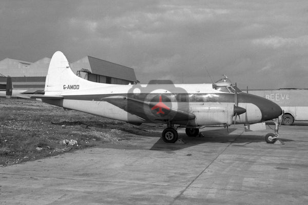G-AMDD De Havilland DH104 Dove, Luton 1965