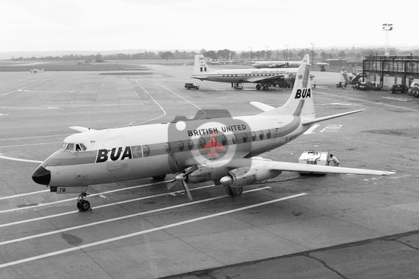 G-APTB Vickers Viscount 833, British United Airways, Gatwick
