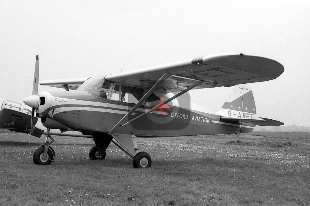 G-ARET Piper Pa-22-160 Tri-Pacer, Oxford Aviation, Baginton 1961 BW00306