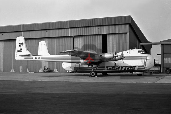 G-AZHN Armstrong Whitworth AW660 Argosy, Sagittair, Castle Donington 1971