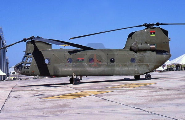 LC-010 Boeing CH-47C, Libyan Air Force, Malta 2011, new flag
