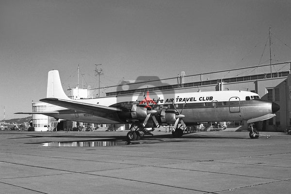 N5900 Douglas DC-7C, Traventure Air Travel Club, Oakland 1972