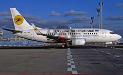 UR-GBE Boeing 737-548, Ukraine International