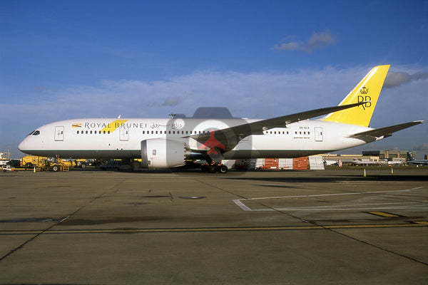 V8-DLA Boeing 787-8, Royal Brunei Airlines, Heathrow 2013