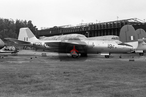 WE121 English Electric Canberra B.2, Empire Test Pilots School, Farnborough 1964