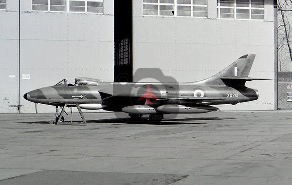 XG210 Hawker Hunter F.6, RAF, Cranfield 1966