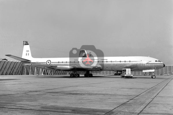 XR395 De Havilland DH106 Comet C.4, RAF, Heathrow