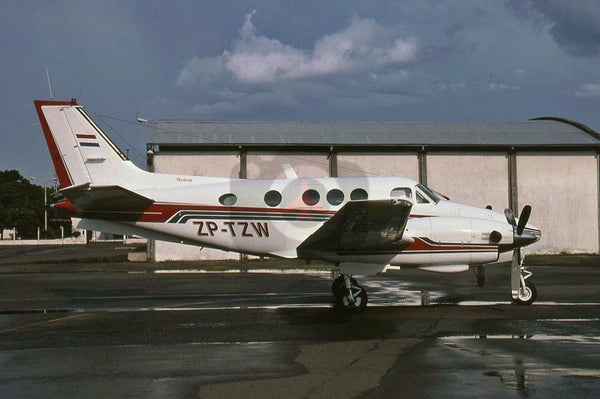 ZP-TZW Beech 90 King Air, Asuncion 2002