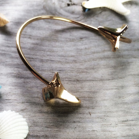 Gold Mama shark tooth bracelet