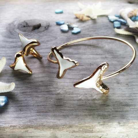 Gold shark tooth bracelet & ring (set)