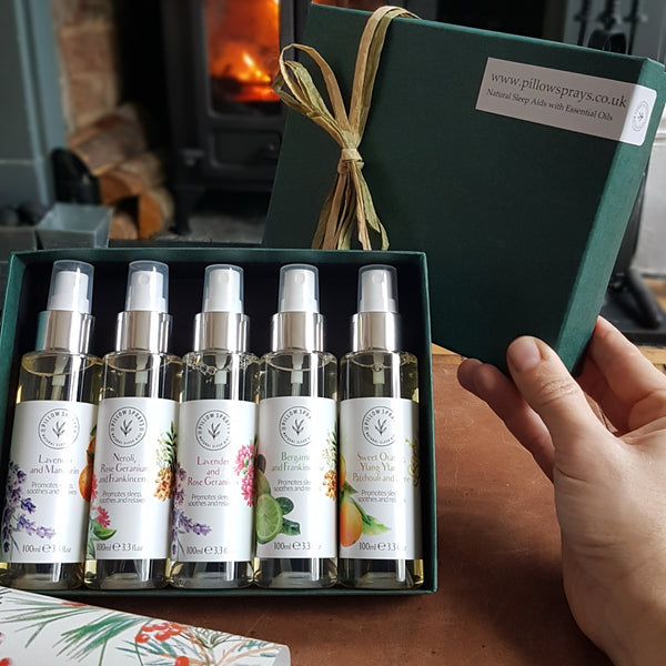 A Collection of 5 scented Pillowsprays in a green Giftbox