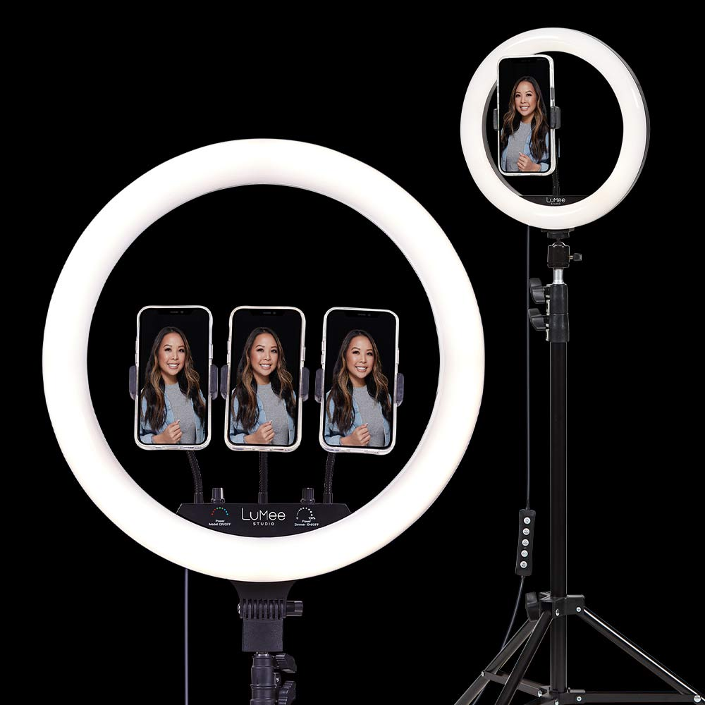 both sizes of ring light with stand