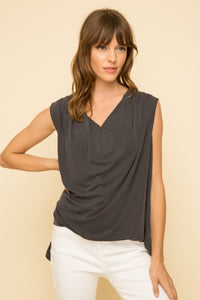 top, sleeveless drape with back pleat and floral inset