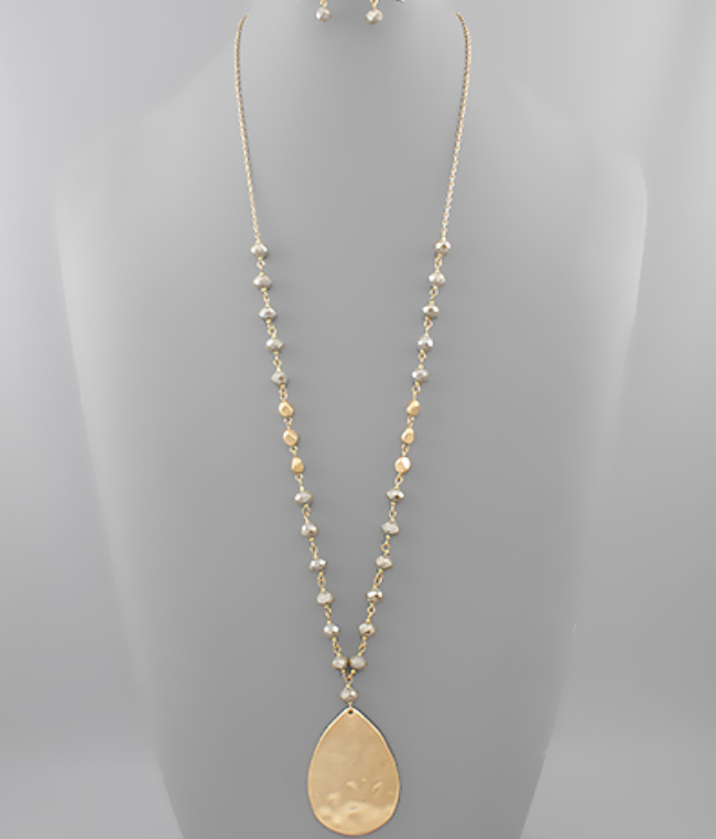 Hammered Teardrop Pendant Bead Necklace