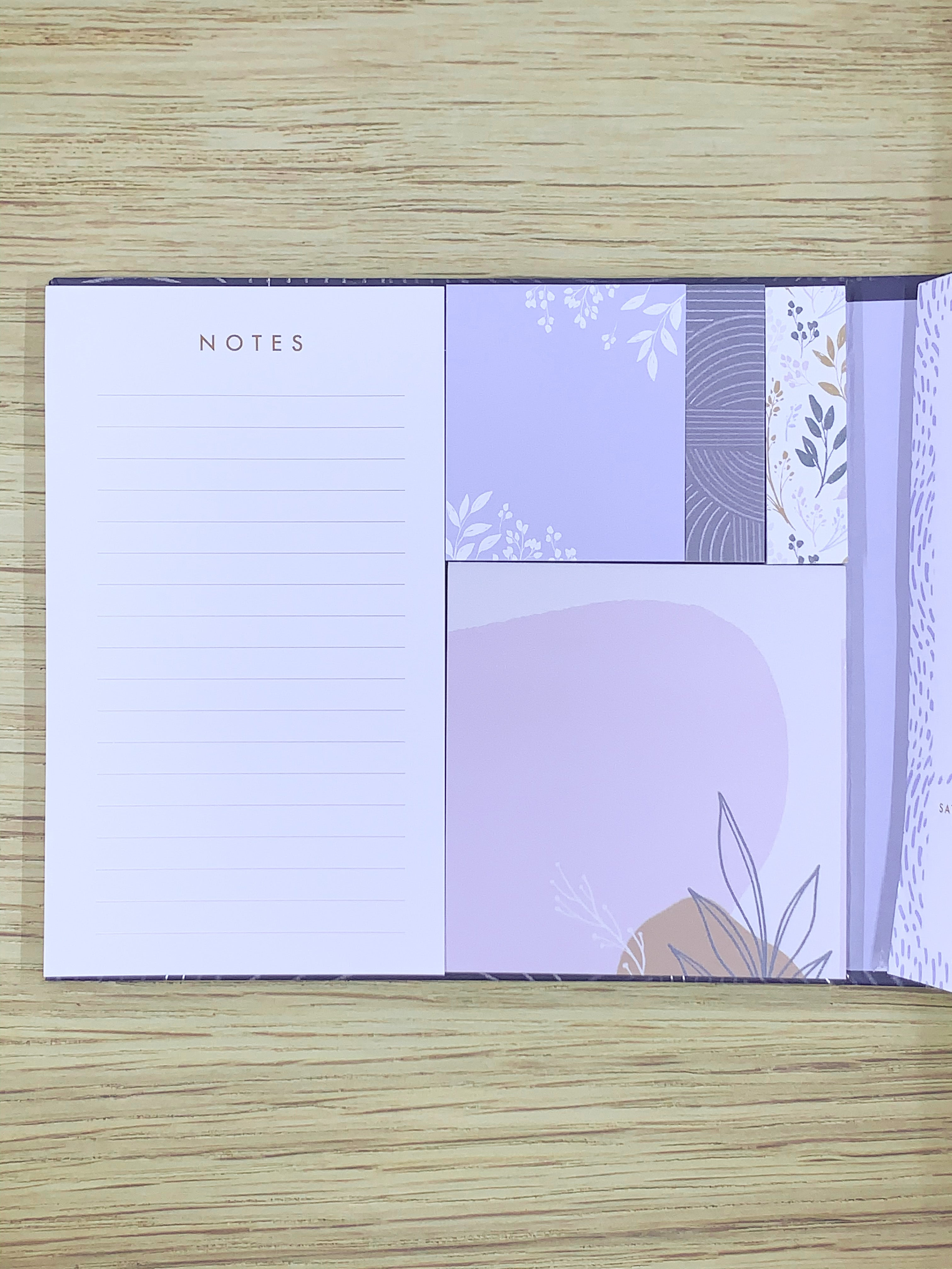 Navy Floral Sticky Notes