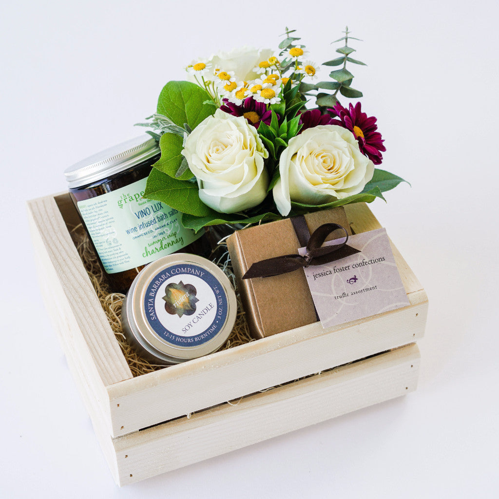Sweet Relaxation Gift Box with Flowers