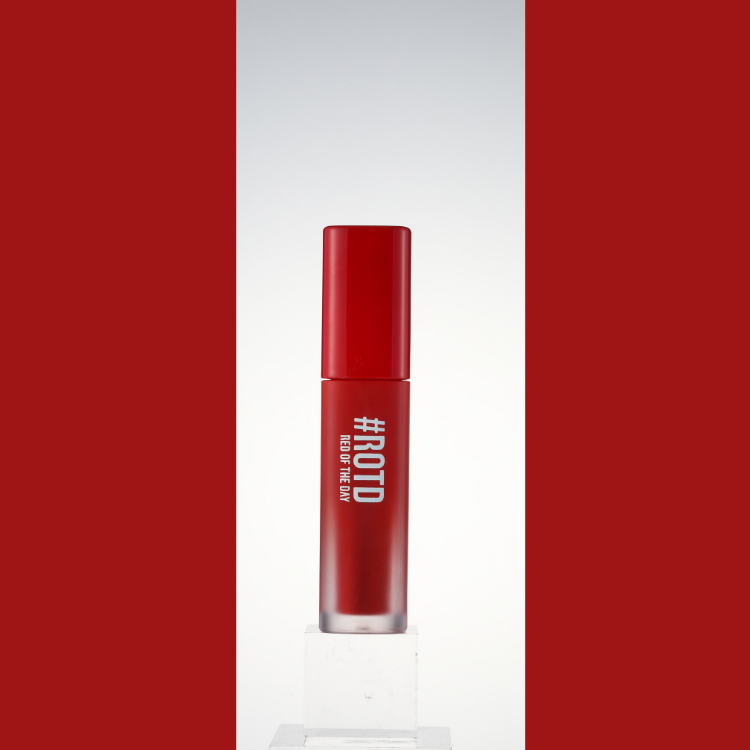 RED OF THE DAY - LIP MARKET VELVET SMUDGING TINT 03 BRICK RED