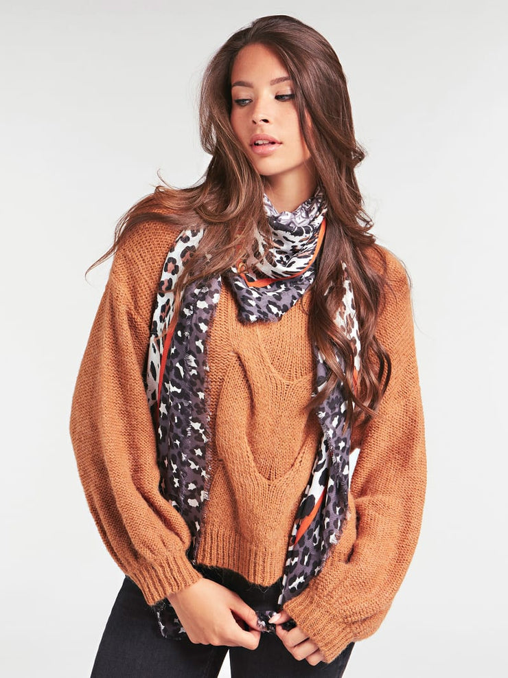 Guess Tiger Print Scarf - Grey