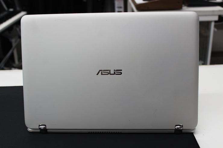 "Asus Q504U 15"" 2-in-1 Touch Screen Laptop"