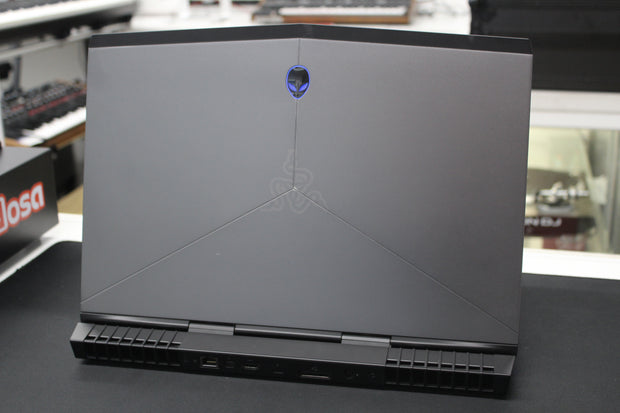 "Alienware R3 15"" Gaming Laptop"