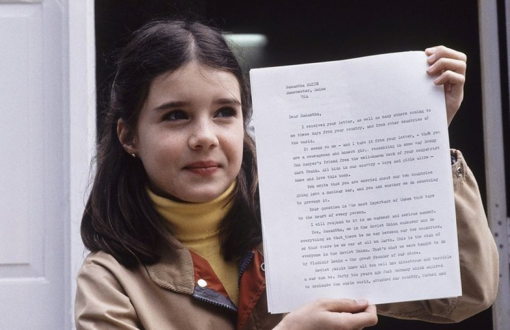 Samantha Smith with the letter from the Soviet leader, Yuri Andropov. Credit: Unknown
