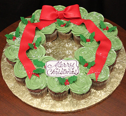 Christmas Wreath Gold cupcakes with chocolate filling