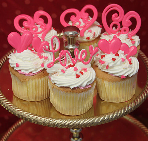 VC-007 Display Valentine gold cupcake with chocolate mousse filling.