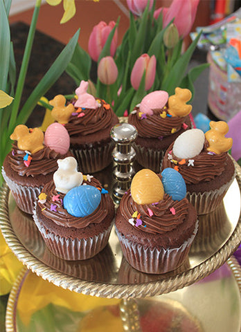 CC-028 Display Easter Decor chocolate cupcake with white filling