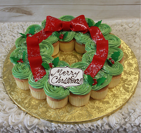 CH-027 Christmas Wreath Chocolate cupcakes with white filling