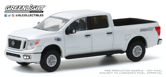 Greenlight 1:64 Blue Collar Collection Series 7 - 2019 Nissan Titan XD Pro-4X - Pearl White
