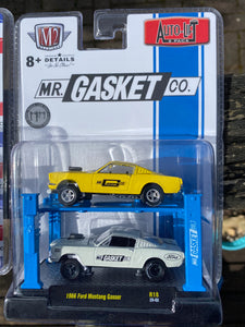 "M2 1:64  2-Pack 1966 FORD MUSTANG ""GASSER"" -MR GASKET CO. (Auto-Lift Release 18)"