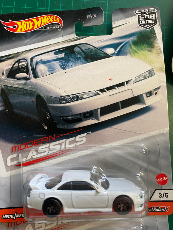 Hot Wheels  1/64 Car Culture New Modern Classics Nissan Silvia S14