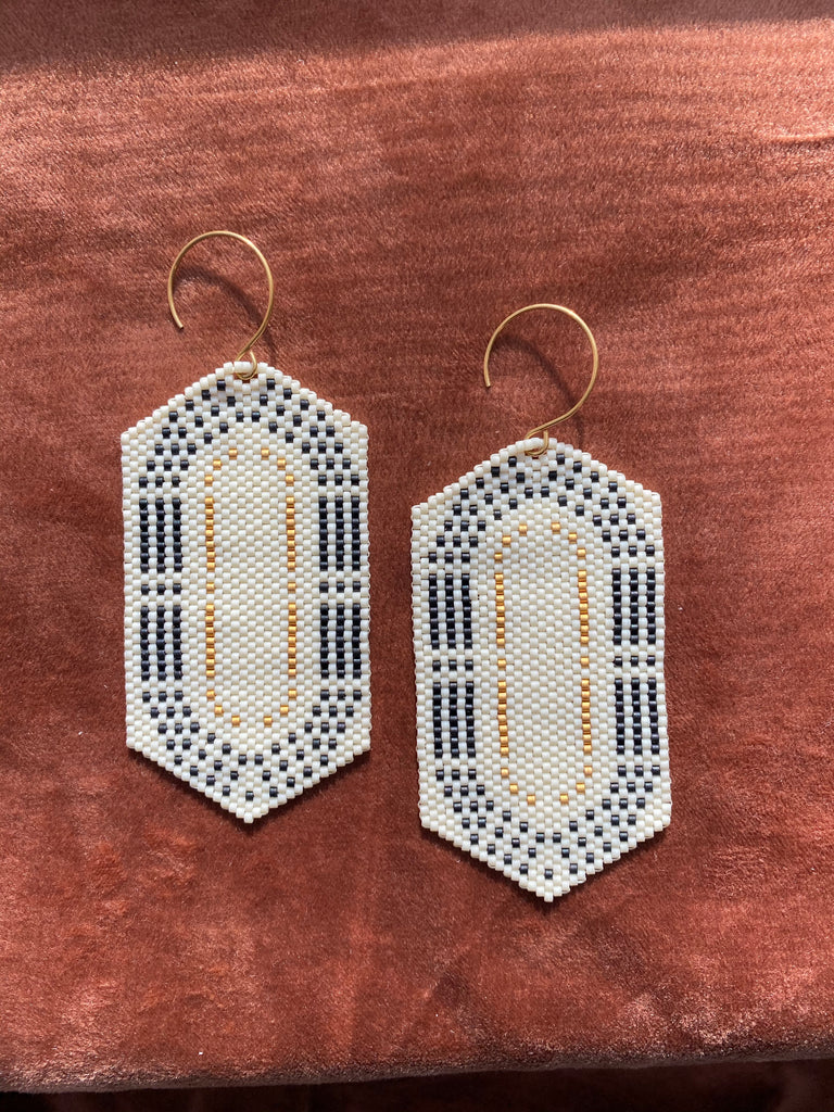Earrings | Oval | Ivory