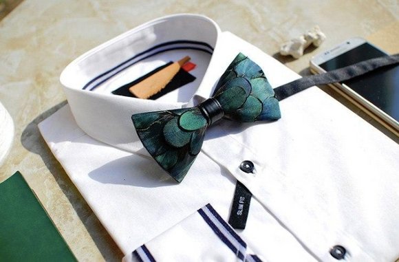 Green Feather Bow Tie