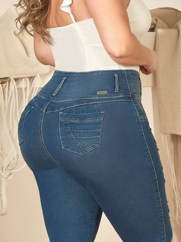 back view colombian butt lift jeans plus size with pockets and white top