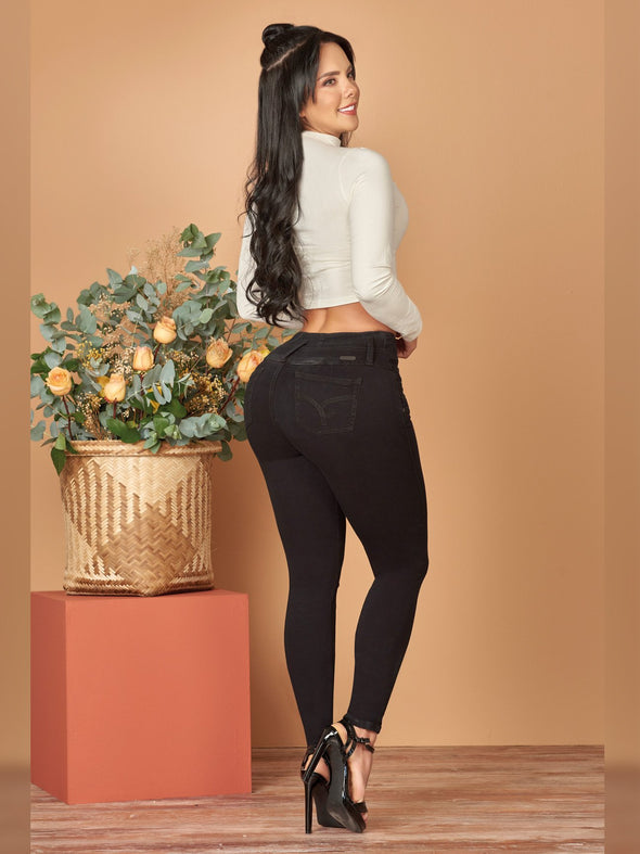 back view butt lift colombian jeans skinny fit black heels and white crop top