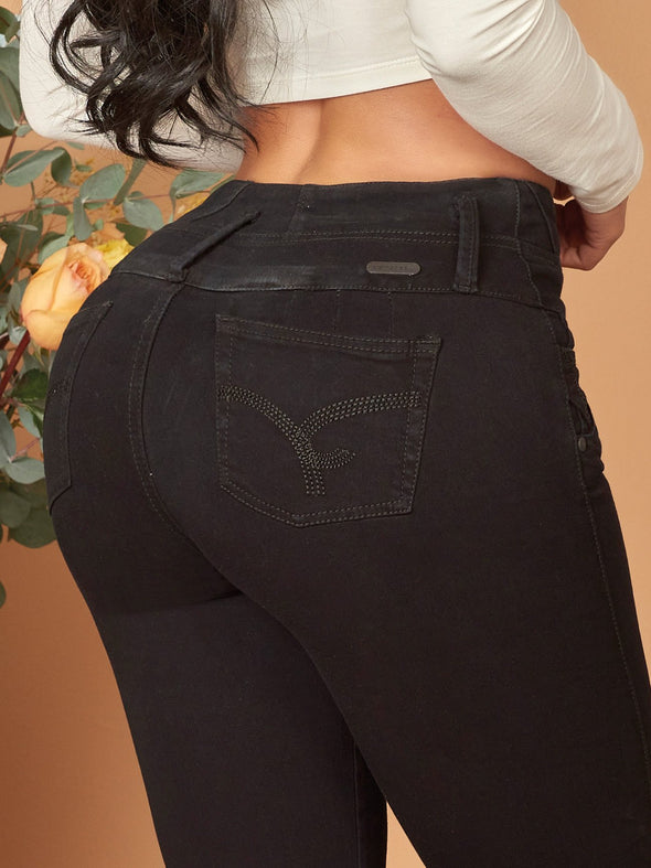 black skinny colombian butt lift jeans up close