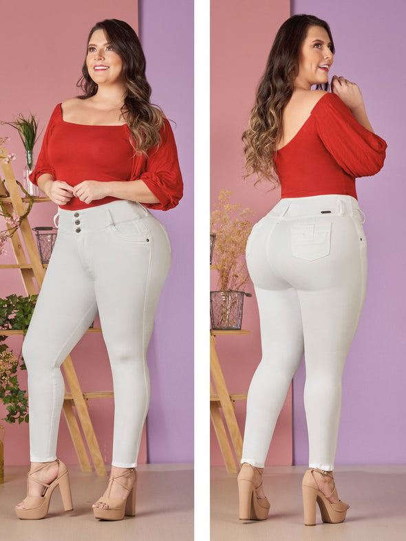 plus size colombian model white butt lift jeans and red top